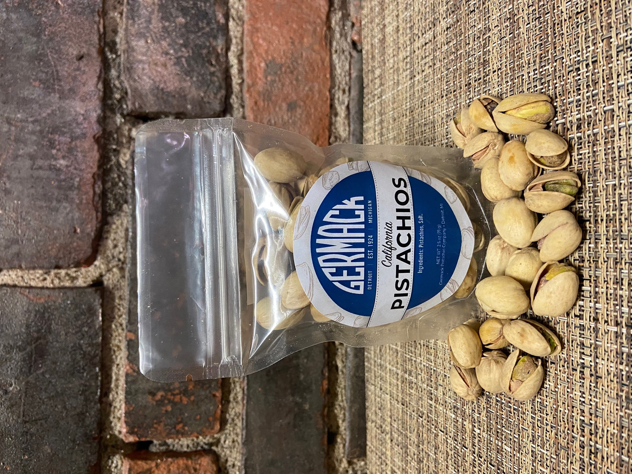 Picture Pistachios - 2.5oz
